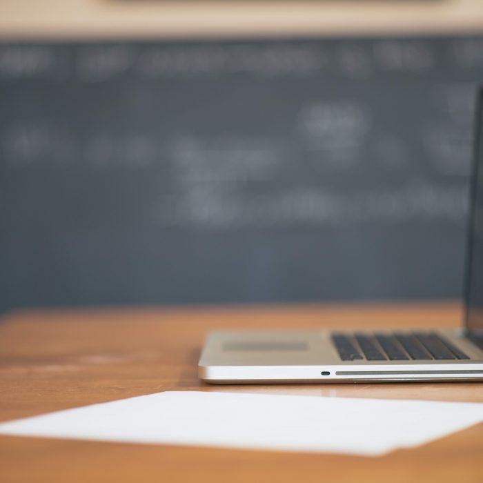 Apple Desk Laptop Working2